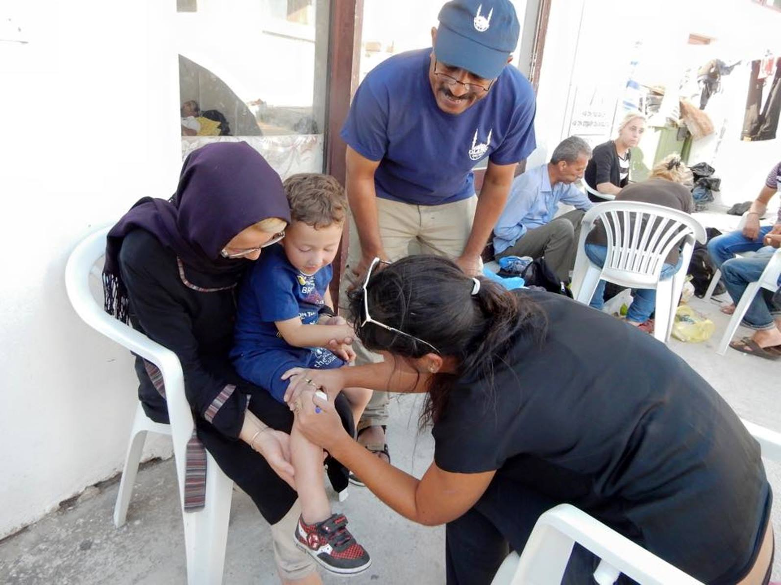 An IsraAID volunteer providing first aid in Greece. Photo via Facebook